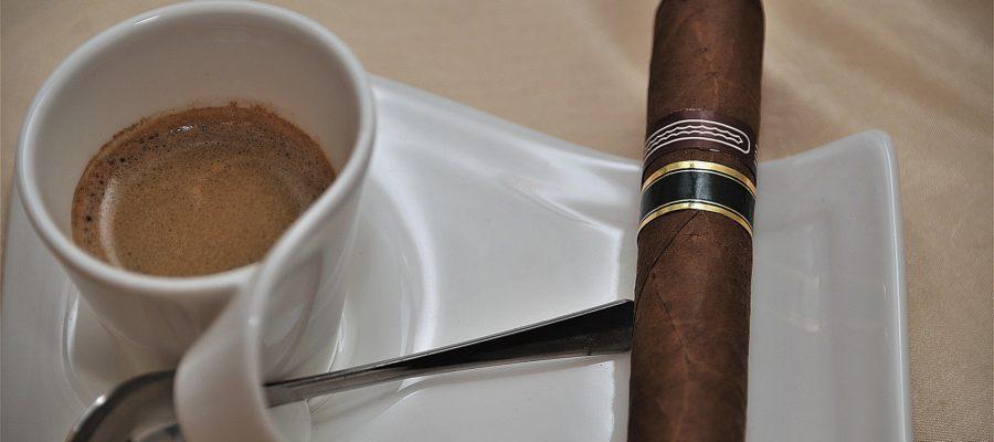 Kaffee mit Zigarre